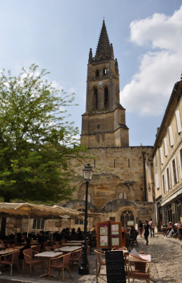 St Emilion cafe with church